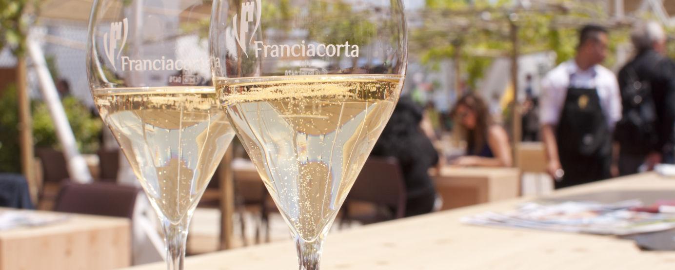 Glasses of Franciacorta