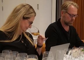 Essi Avellan and Fredrik Schelin tasting Champagne Pommery