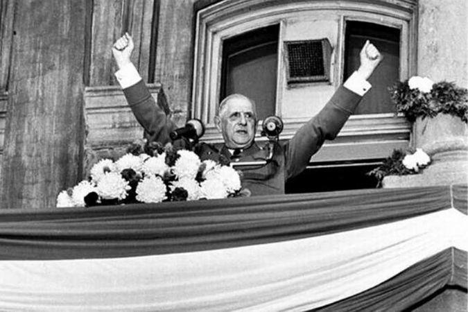 Charles de Gaulle giving a speech in Quebec