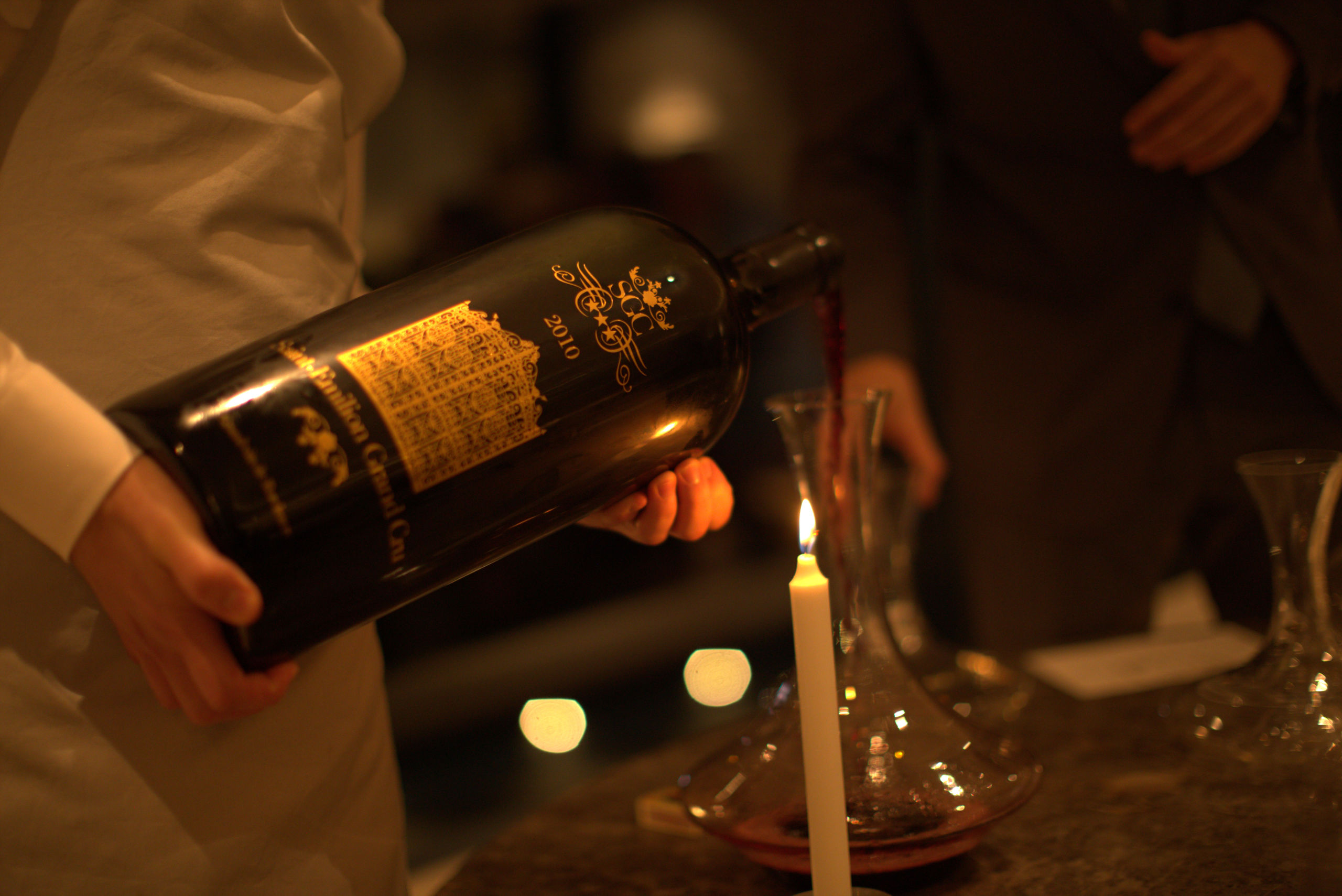 Decanting from SGC wine bottle - Bordeaux