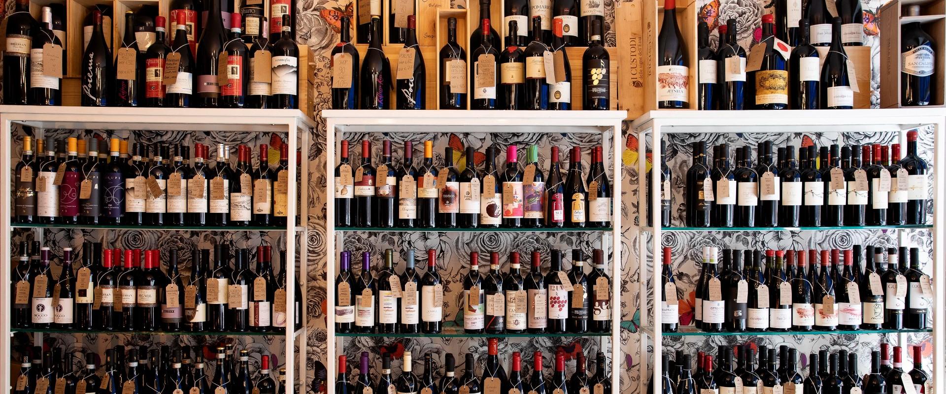 Passione Vino wine shop wall
