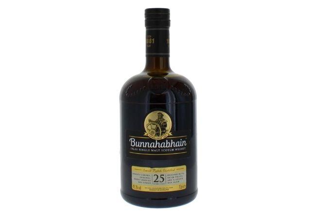 IWSC best single malt Scotch whisky 16-25 Years trophy winner