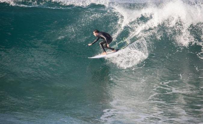 Pedro surfing