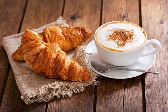Latte croissant – Katie Jackson