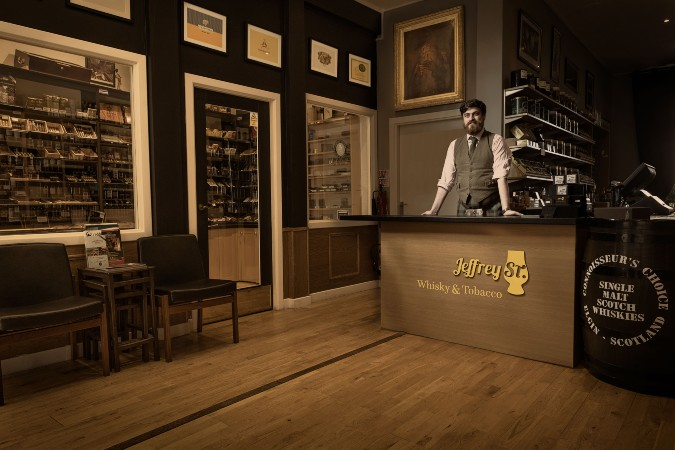 jeffry st whisky and cigars in edinburgh